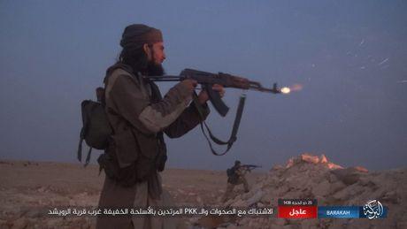 Nguoi Kurd de danh quan doi Syria tai Deir Ezzor, IS 'vo' chong cu - Anh 4