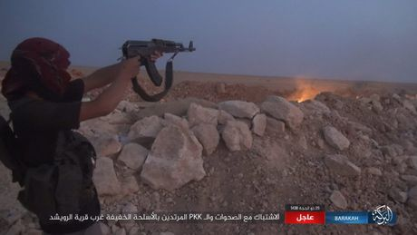 Nguoi Kurd de danh quan doi Syria tai Deir Ezzor, IS 'vo' chong cu - Anh 7