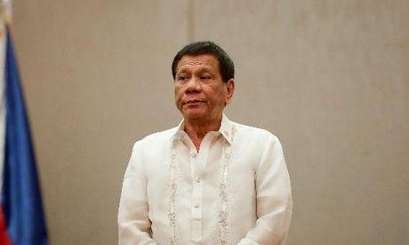Tong thong Philippines Duterte mia mai quan chuc nhan quyen la 'au dam' - Anh 1