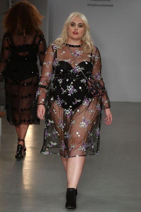 Lan dau tien tai London Fashion Week, nguoi mau 'co lon' danh bat moi dinh kien ve ngoai hinh - Anh 10