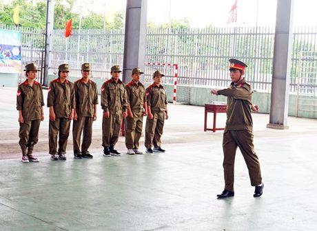 Nang chat luong day hoc mon Giao duc quoc phong va an ninh - Anh 1