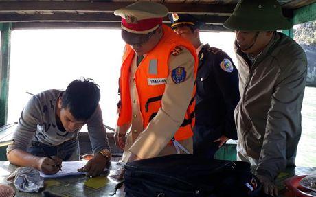 Quang Ninh cuong quyet lam sach moi truong kinh doanh du lich - Anh 1