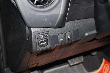 Giam gia 40 trieu dong, Toyota Corolla Altis 2.0V 2017 co gi? - Anh 13