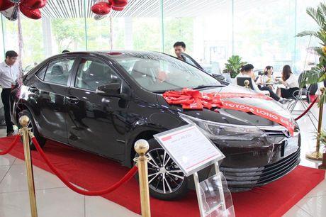 Giam gia 40 trieu dong, Toyota Corolla Altis 2.0V 2017 co gi? - Anh 4