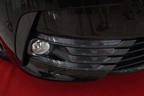 Giam gia 40 trieu dong, Toyota Corolla Altis 2.0V 2017 co gi? - Anh 6