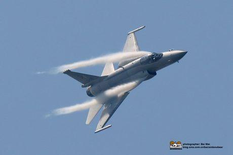 Tien kich JF-17: Chuan NATO nhung gia hang 'cho' cua Trung Quoc - Anh 10