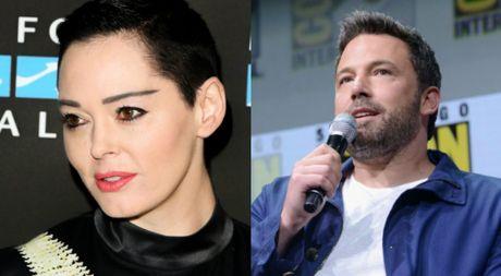 Ben Affleck bi chi trich la dao duc gia ve scandal sex cua Harvey Weinstein - Anh 1