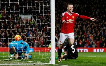 Man United 3-0 Stoke: Rooney tiep tuc ghi ban, Man United lai mo top 4 - Anh 1