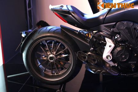 Can canh moto dep nhat The gioi Ducati XDiavel tai Ha Noi - Anh 10