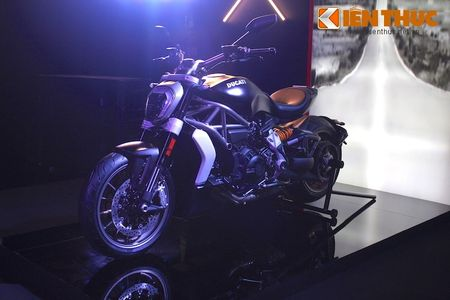 Can canh moto dep nhat The gioi Ducati XDiavel tai Ha Noi - Anh 1