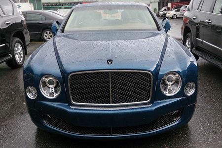 "Cap doi ""hang doc"" Bentley Mulsanne Speed ve Ha Noi - Anh 2"