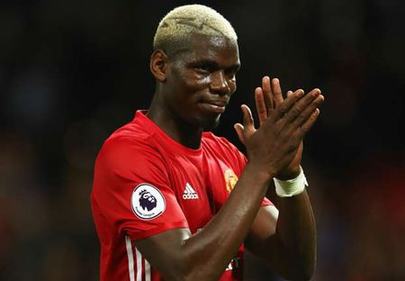Lot mat na Paul Pogba o derby Manchester - Anh 1