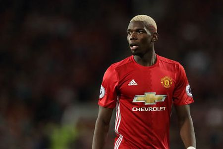 Lot mat na Paul Pogba o derby Manchester - Anh 2