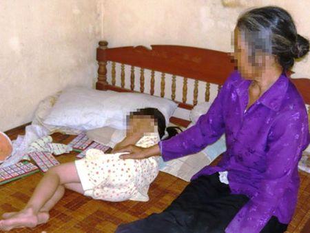 Bắt khẩn cấp nghi phạm cưỡng hiếp bé gái 4 tuổi đến bất tỉnh