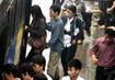 TP.HCM: Khách đi xe buýt bị móc túi, quấy rối tình dục gọi 1022