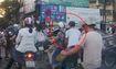Người dân thờ ơ khi trộm móc túi cô gái trên phố Hà Nội
