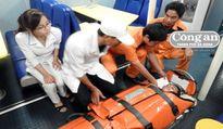 Cứu nạn ngư dân bị tai nạn trên biển