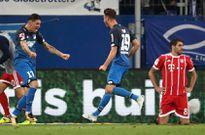 Góc HLV Nguyễn Văn Sỹ: Phòng thay đồ của Bayern Munich có vấn đề?