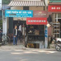 Phiên chợ đồ xưa giữa lòng thủ đô hiện đại
