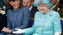 Bất ngờ với bữa điểm tâm đựng trong hộp nhựa của Nữ hoàng Anh