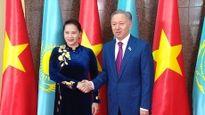 Chủ tịch Quốc hội Nguyễn Thị Kim Ngân hội đàm với Chủ tịch Hạ viện CH Kazakhstan