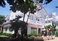 Dù ở Việt Nam hay Mỹ, Vy Oanh cũng sở hữu biệt thự rất sang chảnh!