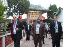 Các Bộ trưởng Tài chính APEC tham quan phố cổ Hội An