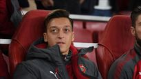 Mesut Ozil được minh oan việc muốn rời Arsenal sang MU
