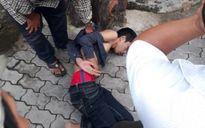 Người dân truy bắt tên cướp giật tài sản của nữ sinh trên phố