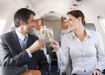 Hàng không Canada bị kiện vì không phục vụ rượu Champagne
