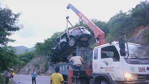 Mượn ô tô của bạn lái đi chơi, gặp tai nạn chết kẹt trong xe