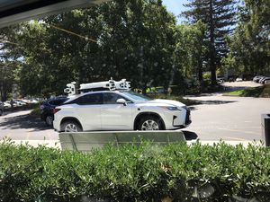 Apple bắt đầu thử nghiệm công nghệ xe tự lái