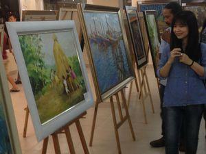 Triển lãm tranh đặc biệt của những nữ lao động