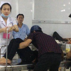 Hàng trăm công nhân nhập viện khi đang làm ca đêm
