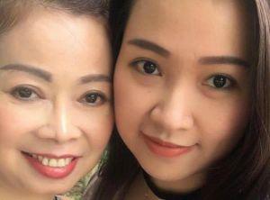 Ngày 20/10: Con gái lên mạng 'Tìm chồng cho mẹ' gây xúc động