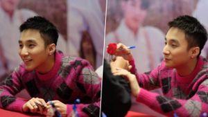 Sơn Tùng M-TP xuất hiện siêu đáng yêu, hết nắm tay lại tặng hoa hồng cho fan nữ Hà Nội