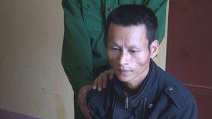 Vứt ma túy xuống đường mòn biên giới Việt – Lào khi bị kiểm tra