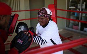 Ngả mũ trước những cụ bà mê đấm bốc ở Nam Phi