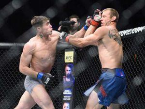 UFC Fight Night 118: Ăn chiêu liên hoàn, 'Cao bồi' sấp mặt