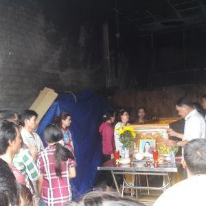 Clip: Hiện trường vụ cháy ki-ốt khiến cả gia đình thương vong