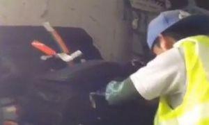 Video nhân viên sân bay trộm đồ của khách gây chú ý tuần qua