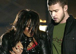 Màn lộ ngực của Janet Jackson ở Superbowl 2004