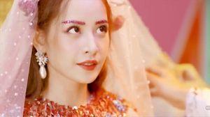 Sau MV đầu tay gây tranh cãi, Chi Pu tiếp tục hé lộ hình ảnh mới của MV thứ hai