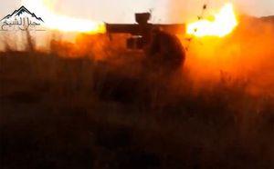 Phiến quân phóng tên lửa tấn công hai xe tăng của quân Syria