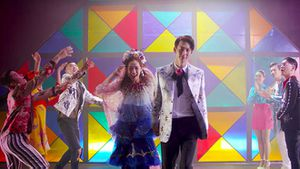 Tung teaser MV mới, Chi Pu lại hứng 'gạch đá' từ cư dân mạng