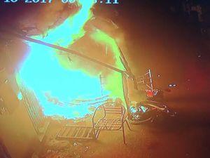 Bất lực nhìn biển lửa thiêu rụi căn nhà khiến hai bà cháu tử vong