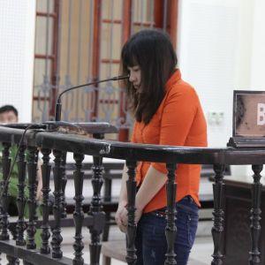 Được phép nói lời cuối cùng, nữ bị cáo quỳ lạy người nhà bị hại
