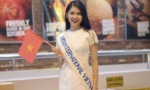 Thuỳ Dung tự tin 'bắn' tiếng Anh ở sân bay trước khi đi thi Hoa hậu Quốc tế