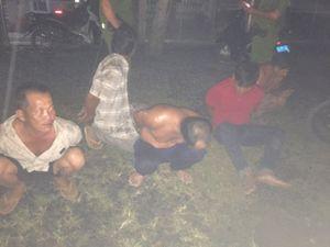 Nổ súng trấn áp bắt 5 người tấn công cảnh sát 113