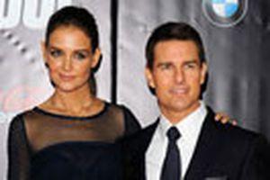 Vì sao Katie Holmes dứt tình với Tom Cruise?